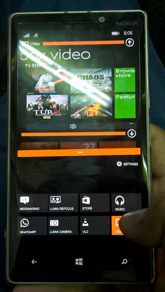 Split-screen Microsoft Windows Phone Insider