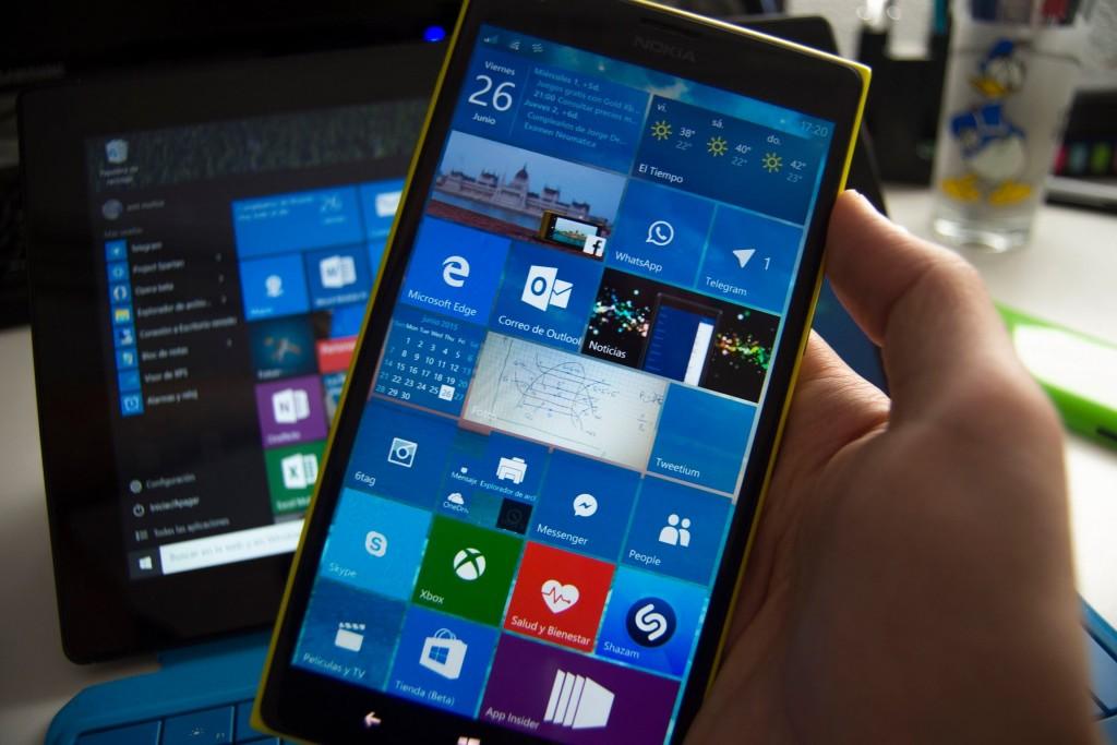 Pantalla de inicio de W10M en un Lumia 1520